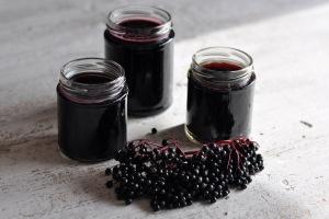 Homemade-Elderberry-Syrup-Recipe